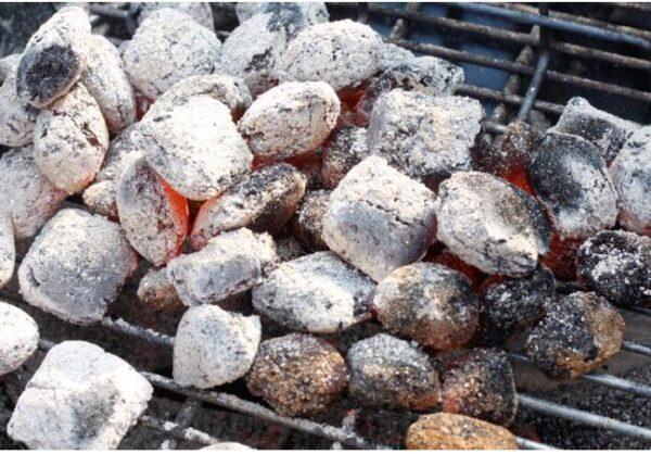 Aske fra grill